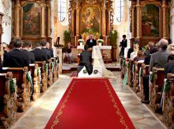 Individueller Hochzeitsläufer für die Trauung in der Kirche