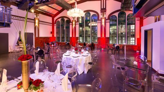 Großer Saal im THE MIX – Hochzeit feiern mit Industrieambiente